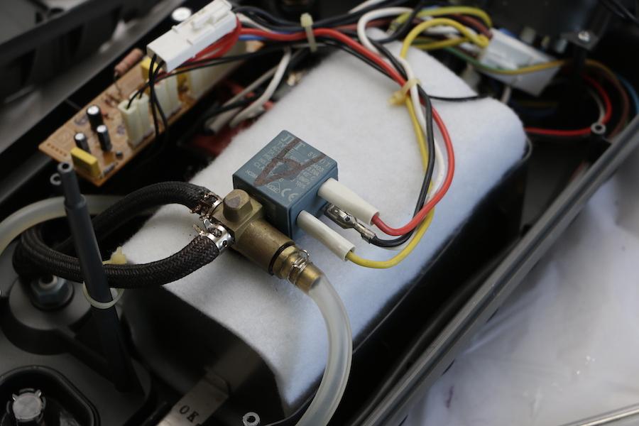 Schema Elettrico Elettrovalvola Per Riscaldamento : Mammachebrava riparare il ferro da stiro con caldaia