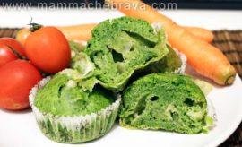 Muffin salati con spinaci e formaggio