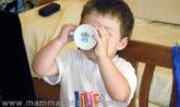 togliere il biberon ai bambini