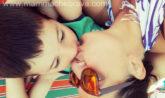 baciare i bambini